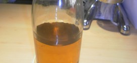 Topfentsaftung Apfelsaft in Flasche mit Twist Off Deckel
